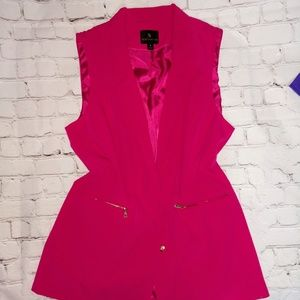 Pink sleeveless blazer